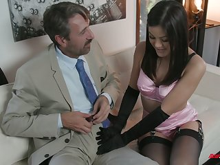 Sexy odalisque Kendra Spade gives a blowjob and gets say no to muff nailed