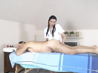 Elderly supplicant receives massage and intercourse from horny masseuse