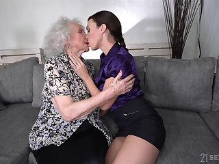 Young butch Tiffany Unreserved is shellacking pussy of good looking granny