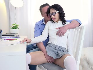 Private tutor gives a sex starved nympho a lesson alongside pleasure